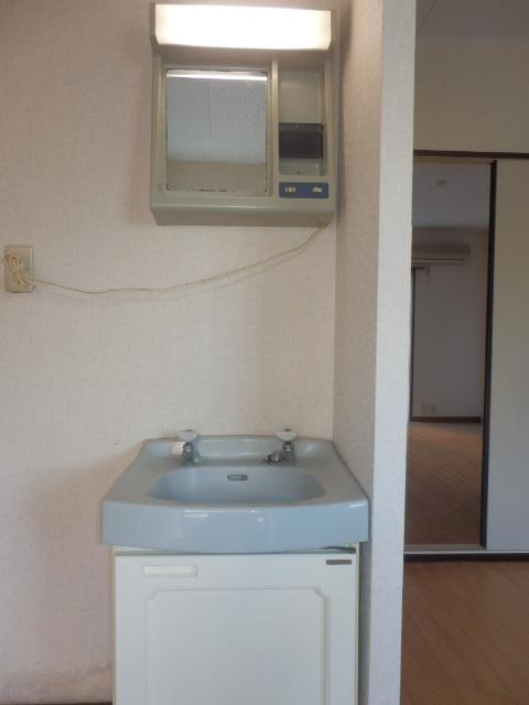 サンシティマガミ 102号室の洗面所