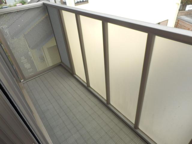 レジデンス・ノヴァH 201号室のバルコニー