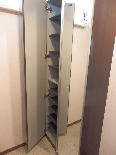 レジデンス・ノヴァH 201号室の収納