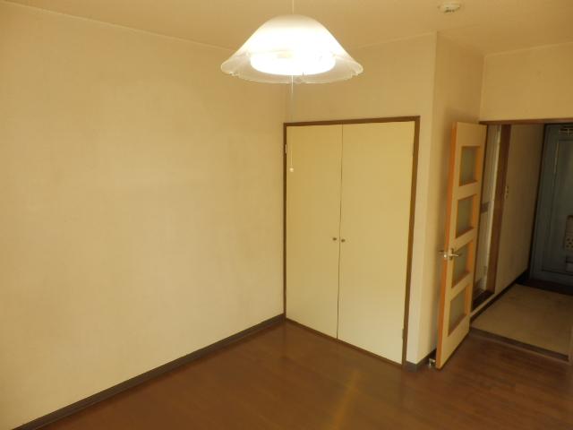 メゾンドココ 207号室のリビング