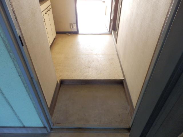 メゾンドココ 207号室の玄関