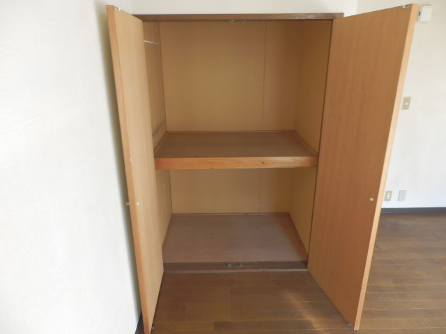 メゾンドココ 207号室の収納