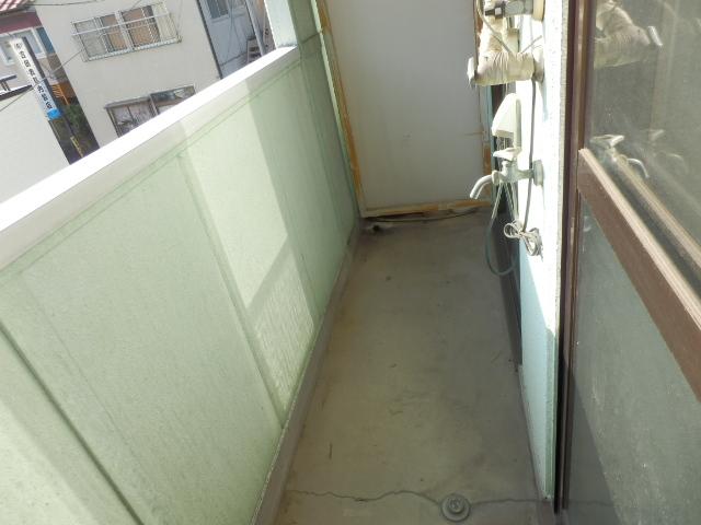 メゾンドココ 210号室のバルコニー