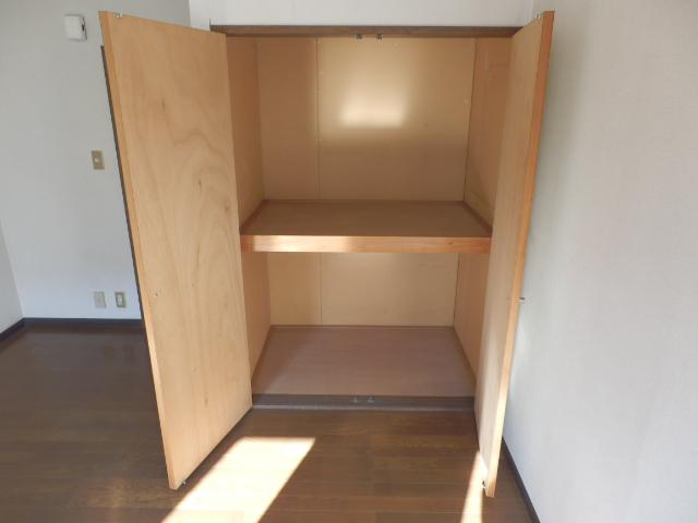 メゾンドココ 210号室の収納