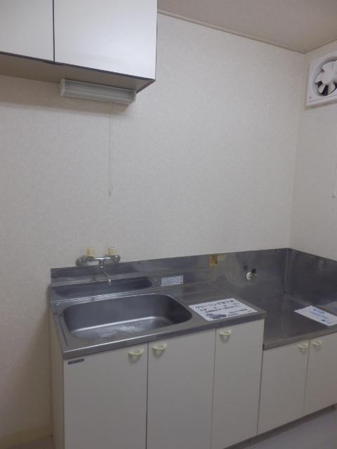 シャトーエトワールⅡ 103号室のキッチン