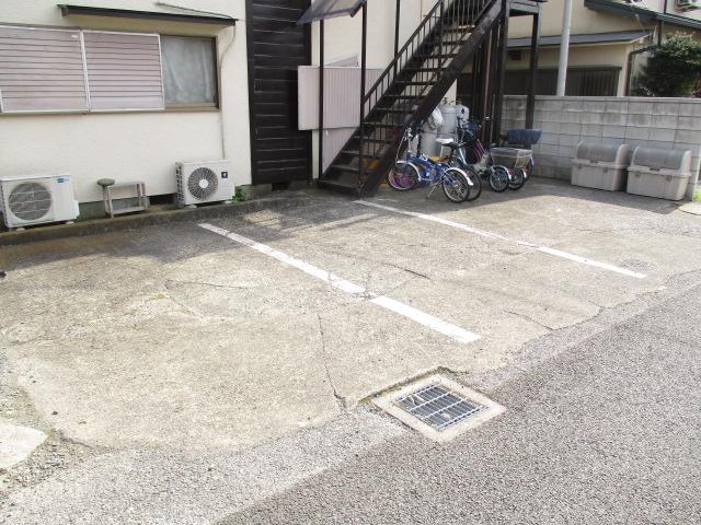 陽東ハイツ 203号室の駐車場