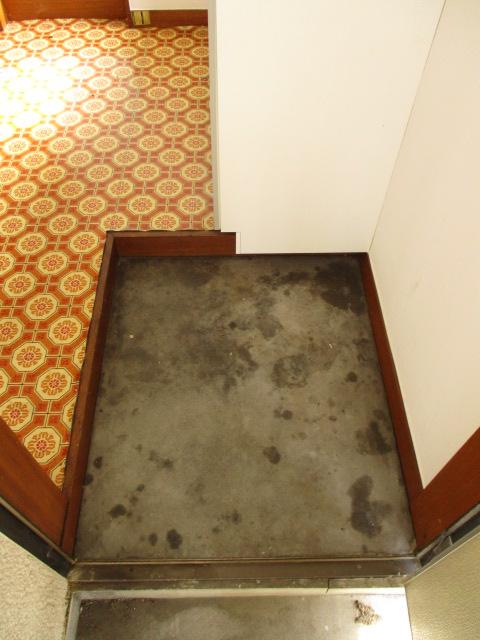 陽東ハイツ 203号室の玄関