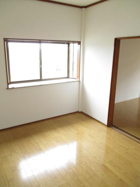 コーポ和気 107号室のベッドルーム