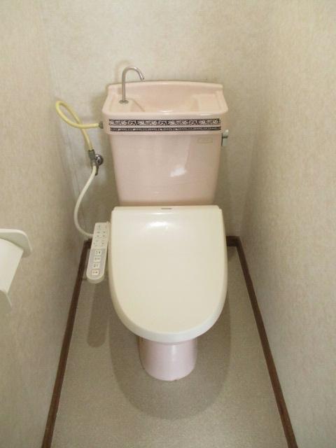 コーポ和気 107号室のトイレ