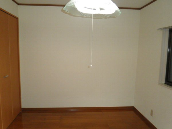 石井ハイツA 101号室のベッドルーム