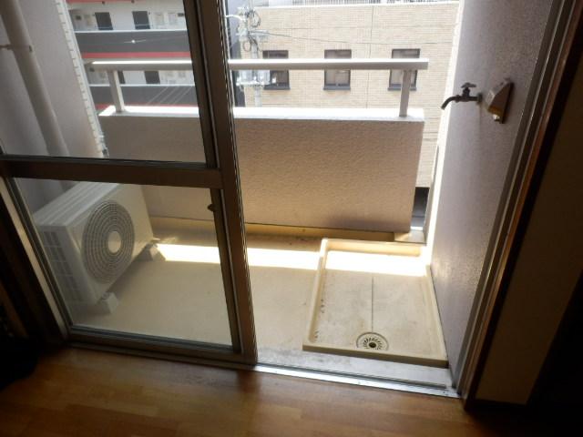 エバマンマンション 503号室のバルコニー