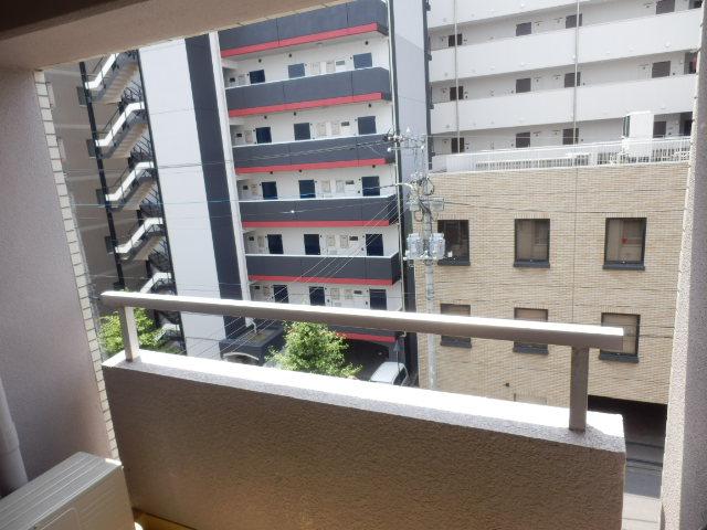 エバマンマンション 503号室の景色