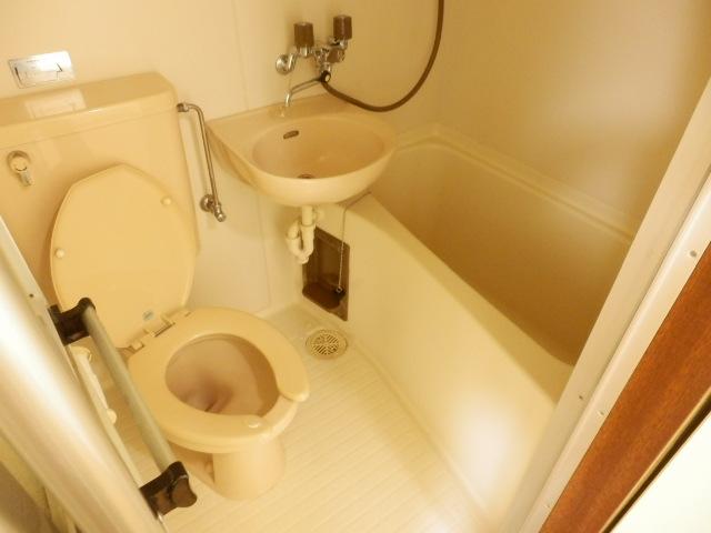 エバマンマンション 503号室の風呂