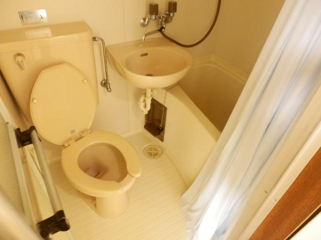エバマンマンション 503号室の洗面所