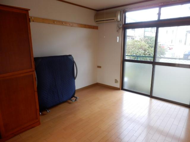 吉沢ハイツA棟 105号室のリビング