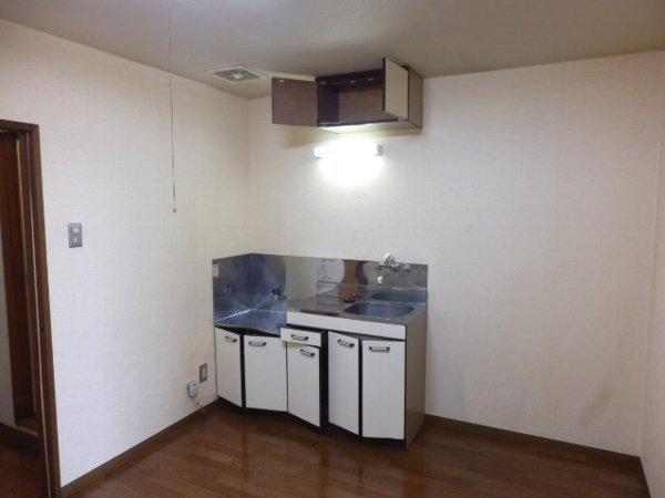 グランドォール宇都宮 307号室のキッチン
