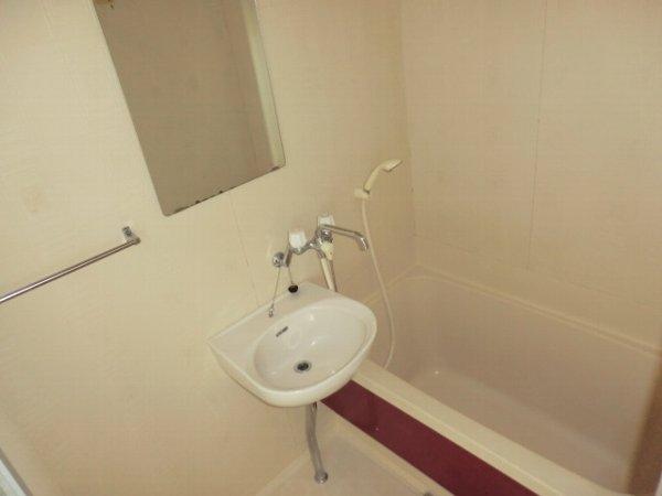 前橋ハイツ 201号室の風呂