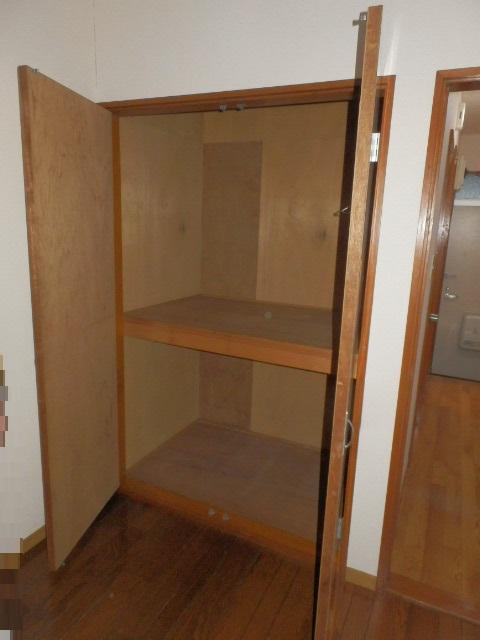 ストーンフィールド 101号室の収納
