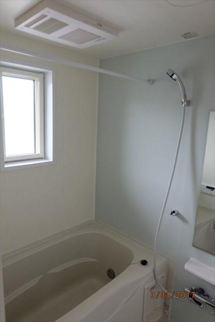 ラ・ルーチェA 02010号室の風呂