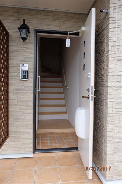 ラ・ルーチェA 02010号室の玄関