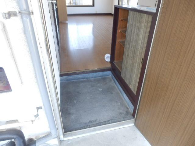 小滝アパート 3号室の玄関