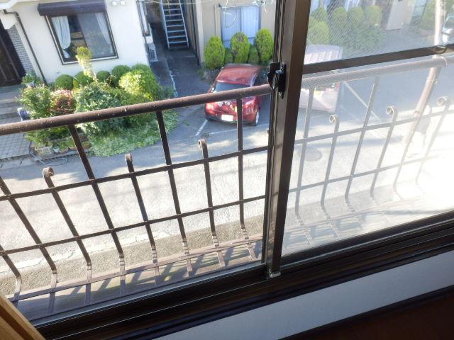 小滝アパート 3号室のバルコニー