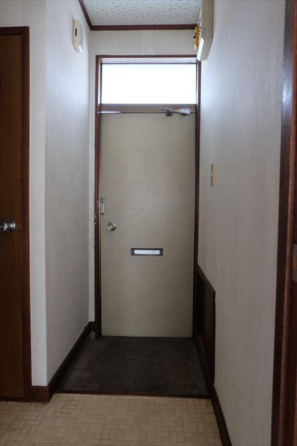 1822ハイツMEIWA 202号室の玄関