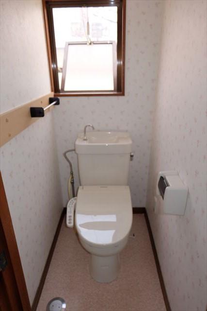 レジデンス暁 203号室のトイレ