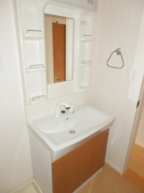 リバレインヒルズⅠ 203号室の洗面所