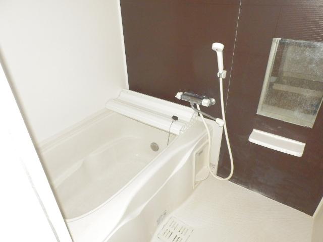 リバレインヒルズⅠ 203号室の風呂