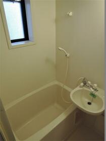 パークフラッツ 103号室の風呂