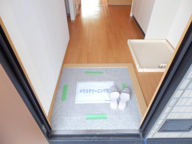 メゾン平松ラ・フォンテーヌⅠ 102号室の玄関