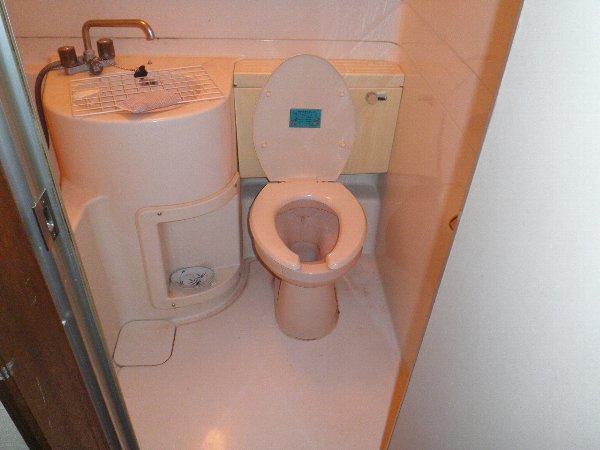 コープオリンピア宇津宮 402号室のトイレ
