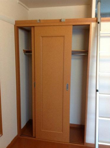 レオパレスTwin Leaf 202号室の収納