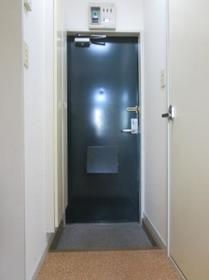 東武宇都宮レジデンス 101号室の玄関