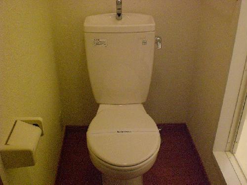 レオパレスさくら 104号室のトイレ