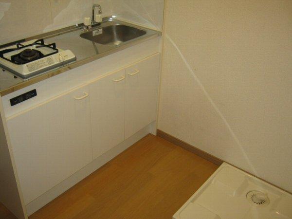 ブルーベルWEST 107号室のキッチン