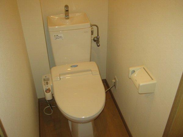 ブルーベルWEST 107号室のトイレ
