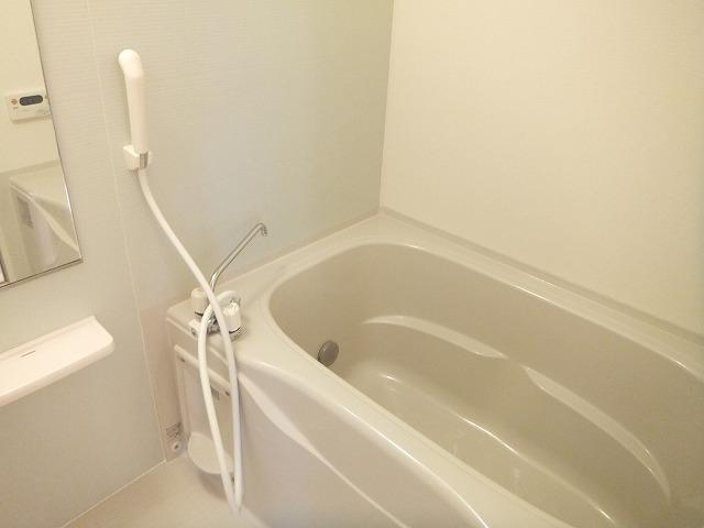 サンパテーク Ⅰ 01010号室の風呂