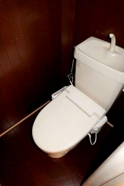 睦荘 5号室のトイレ