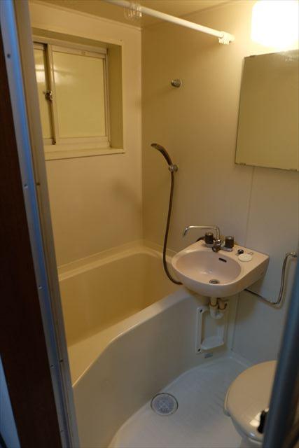 シティーペンション片柳 202号室の風呂