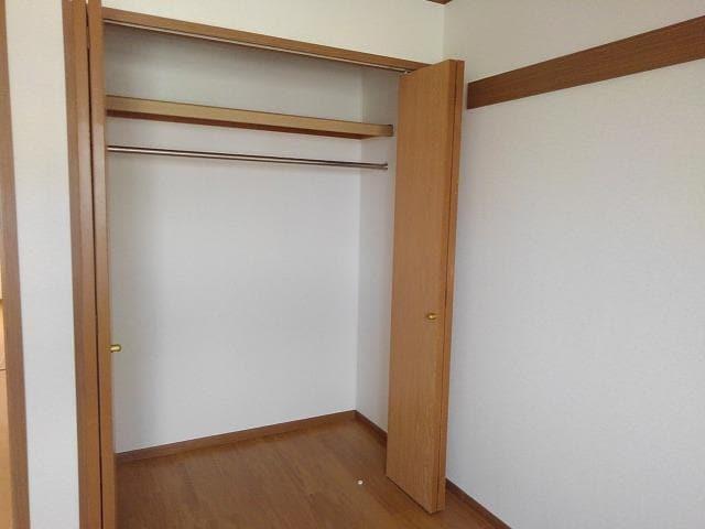 ヴィラ星の宮 02030号室の収納