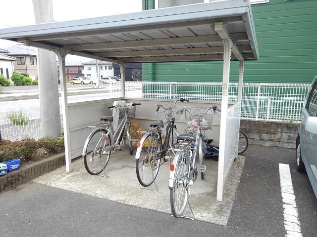 ヴィラ星の宮 02030号室の駐車場