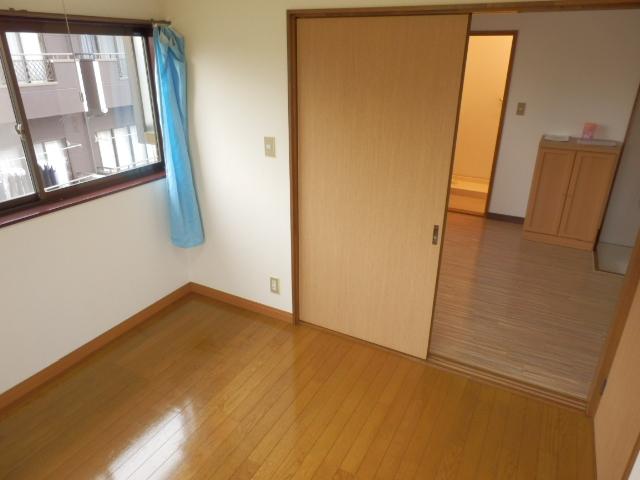 土田コーポ 201号室のリビング