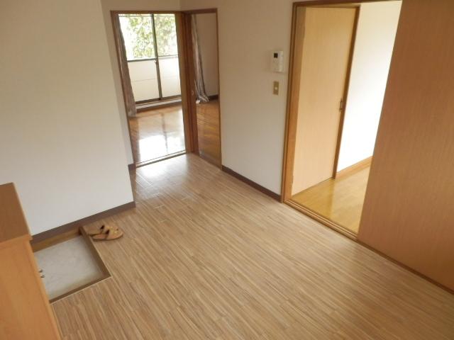 土田コーポ 201号室の玄関