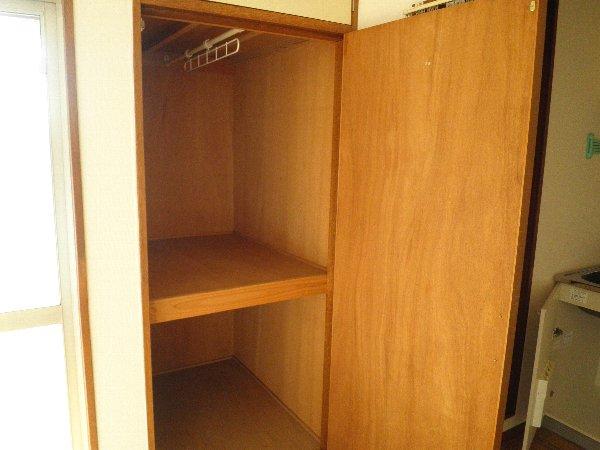 エバマンマンション 401号室の収納