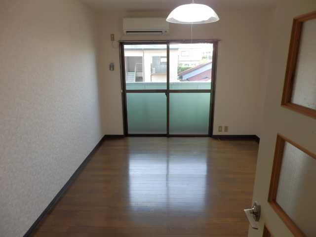 メゾンドココ 202号室のリビング