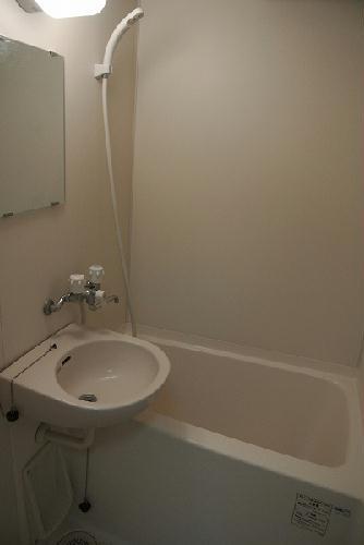 レオパレスクレイン 103号室の風呂