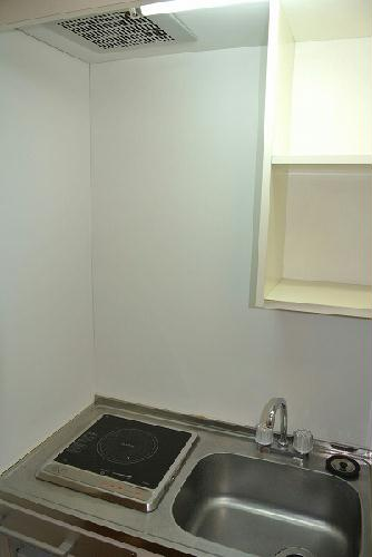 レオパレスクレイン 103号室のキッチン