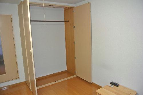 レオパレスクレイン 103号室の収納